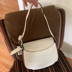 NWT FRENCH CONNECTION OLIVIA LEATHER BUCKET PURSE